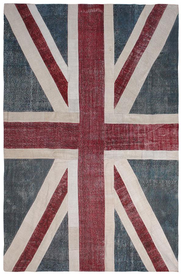 Koberec so vzorom britskej vlajky, kolekcia Patchwork, 100 % vlna, 298 × 200 cm, dostupnosť aj cena na vyžiadanie, www.carpetedition.com
