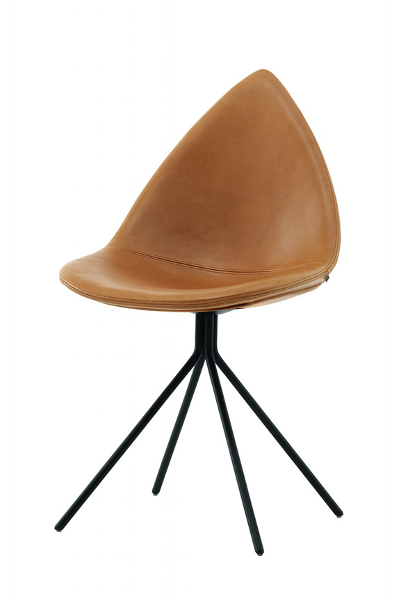 Jedálenská stolička Ottawa, chrómová konštrukcia, kožený poťah, 88,5 × 51 × 57 cm, 779 €, BoConcept, Light Park