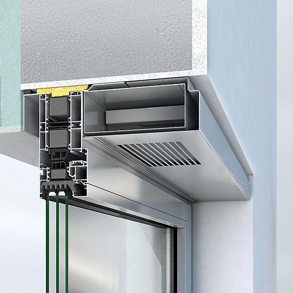Efektívne systémové riešenie pre decentralizované vetranie predstavuje SchücoVentoTherm. Ide ovetranie srekuperáciou tepla bez otvorenia okna integrované do okenného rámu. Zabezpečujú sa ním optimalizácia spotreby energie (systém znižuje energetické straty spôsobené odvetrávaním až o35 %), interiérovej klímy akvality vzduchu (obsahuje peľový filter). Zapínanie avypínanie systému atiež voľba intenzity vetrania sa deje prostredníctvom ovládača integrovaného do rámu okna.