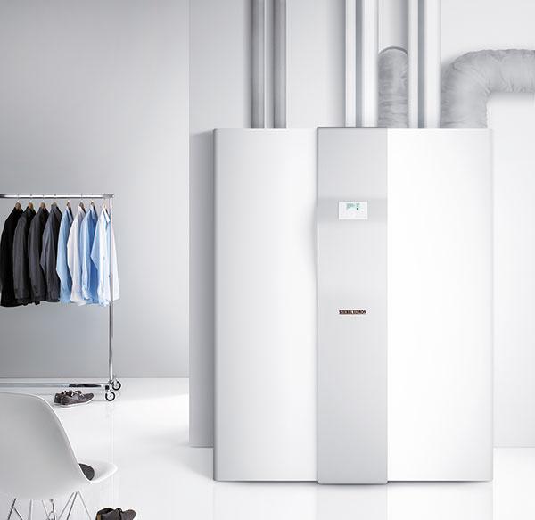 Multifunkčné zariadenie stepelným čerpadlom vzduch/voda LWZ 304/404 SOL je od nemeckej značky STIEBEL ELTRON. Ide okompletný systém určený  pre energeticky úsporné domy, kde zabezpečí riadené vetranie so spätným získavaním tepla (súčinnosťou až do 90 %), vykurovanie aprípravu teplej vody (s235-litrovým zásobníkom) atiež letné chladenie. Možno ho tiež skombinovať so solárnym zariadením.