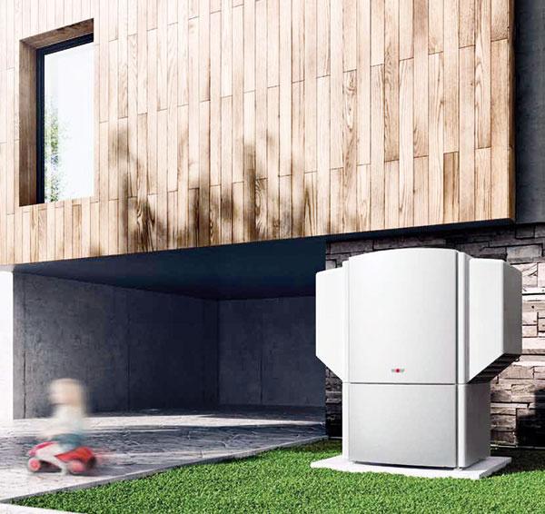 Tepelné čerpadlá vzduch/voda BWL značky Wolf  ponúkajú vynikajúci výkonový koeficient COP 3,8 až 4,0 pri A2/W35 (EN14511/EN 255). Prevádzka BWL-1 je takmer bezhlučná, keďže kompresor má dvojnásobnú izoláciu chvenia ajeho rozbeh je pozvoľný, elektronicky riadený. Vonkajšie plášte tepelných čerpadiel majú tepelnú aakustickú izoláciu. Výsledkom inovačných snáh je dosiahnutie hladiny hluku nižšieho ako 29 db (A) vo vzdialenosti 10 m.