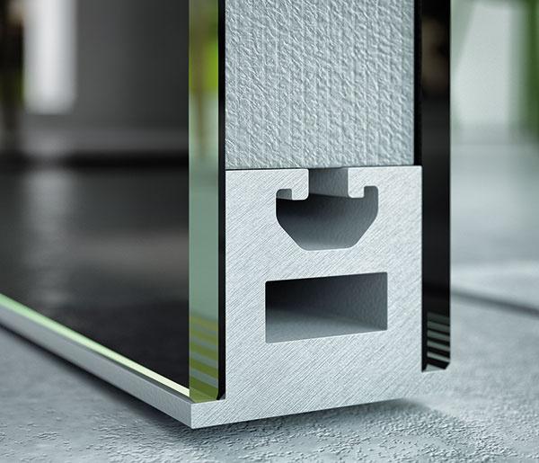 Sklo, ktoré izoluje. Dvere Master od Spoločnosti J.A.P. Slovensko sú tvorené vnútorným obvodovým rámom zeloxovaného hliníka advomi sklami. Vnútro dverí vypĺňa vzduchová medzera alebo extrudovaný polystyrén. Ten má zásadný vplyv na tepelnú azvukovú izoláciu dverí, vprípade zvukového útlmu (až 34 dB – kategória zvukovoizolačných dverí) je však nutný spodný mechanický prah zabudovať do dverného krídla.