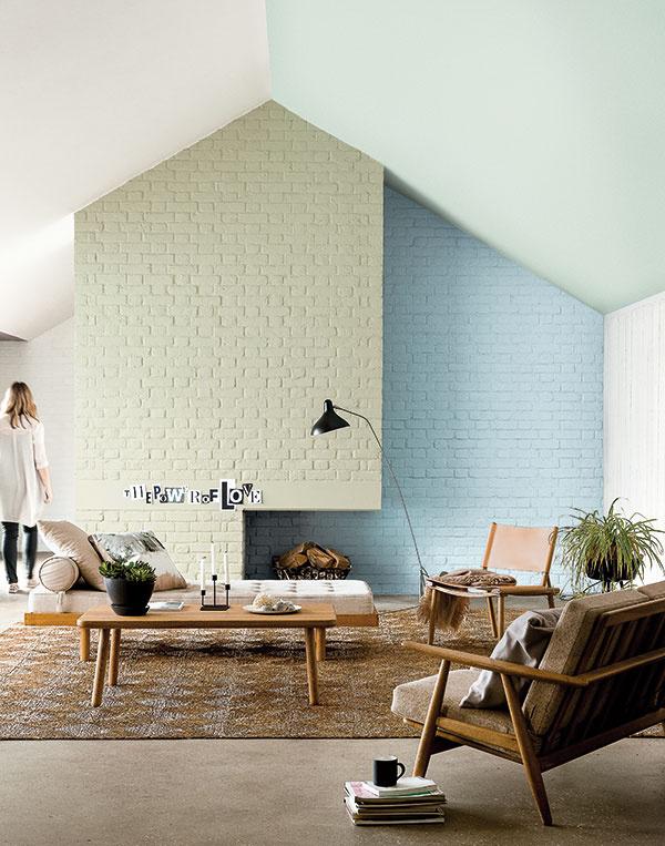 Pre seversky ladený interiér je príznačná strohá jednoduchosť. Nábytok na nožičkách v retroštýle ponecháva priestoru vzdušnosť.