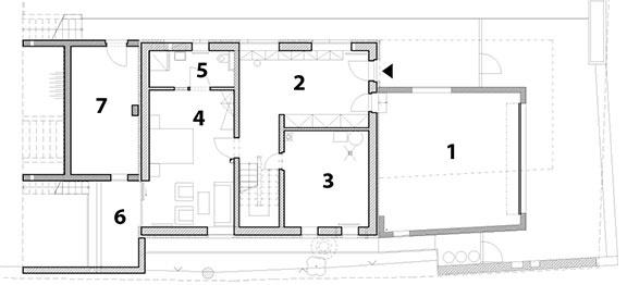 1 garáž 2 vstupná hala 3 technická miestnosť 4 hosťovská izba 5 kúpeľňa a WC 6 terasa 7 sklad