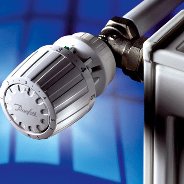 Základom úspor tepla je kontrola režimu vetrania a vykurovacích telies