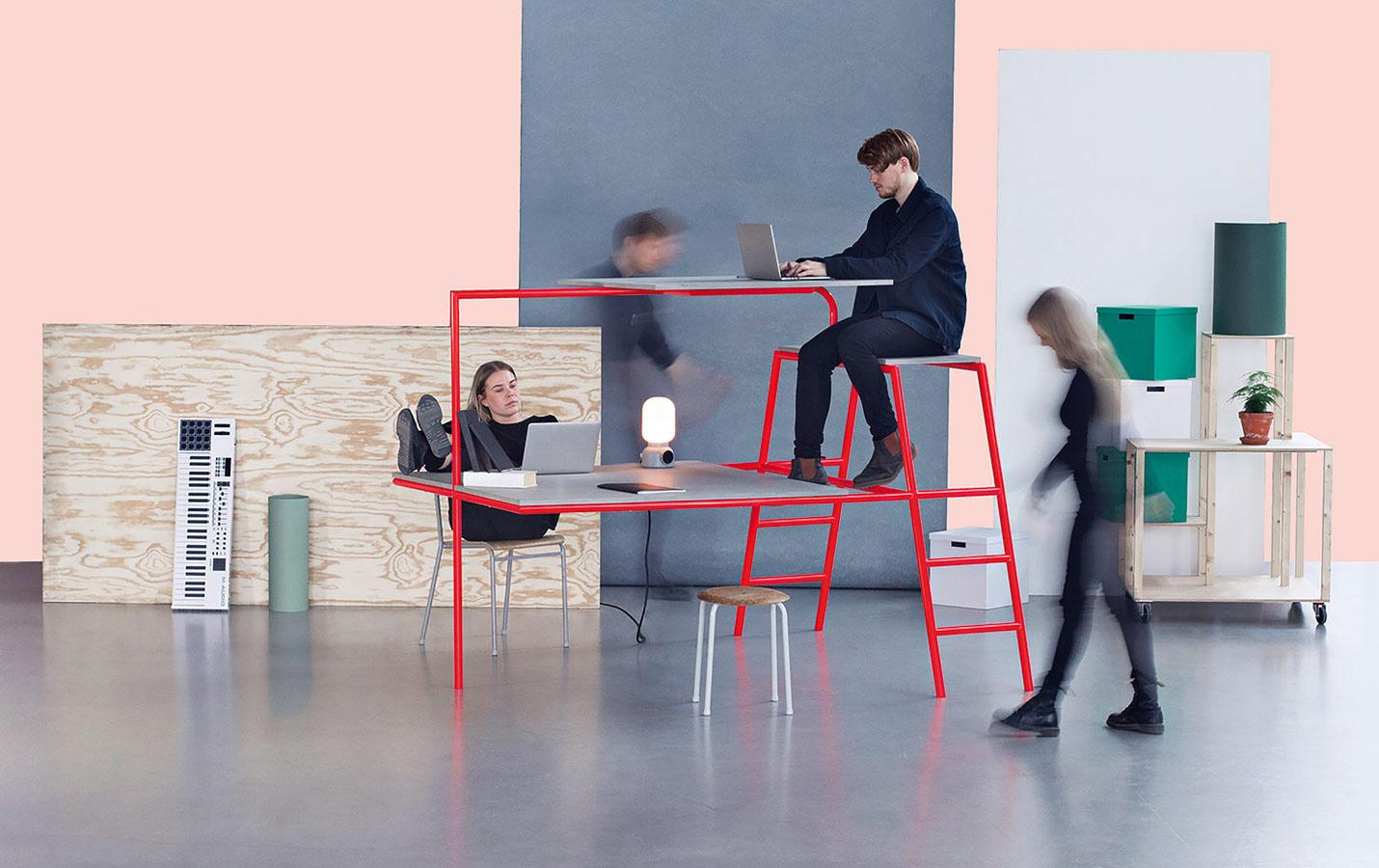 Pracovisko a homeoffice sa ako jedna z hlavných tém rozoberali najmä z hľadiska spojenia s bývaním a psychohygieny. Študenti Univerzity v Lunde v spolupráci s dizajnérom Stefanom Diezom a zakladateľom značky HAY Rolfom Hayom vypracovali hneď niekoľko experimentálnych konceptov multifunkčného nábytku na prácu, spánok, bývanie, do spoločenských miestností a s mnohými inými funkciami.