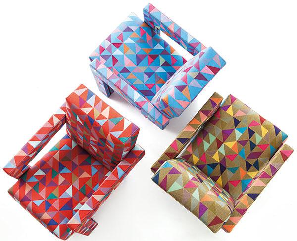 Ikony nanovo. Redizajn tých najlegendárnejších kúskov je silný, odvážny, no predovšetkým zodpovedný trend. Príkladom môže byť kreslo Ultrecht značky Cassina (1935), ktoré oživil dizajnér Bertjan Pot. Princípom je nový hravý dizajn čalúnenia, špeciálne navrhnutého a vyrobeného tak, že sa vzor neopakuje ani na jedinom mieste a presne kopíruje tvar kresla.