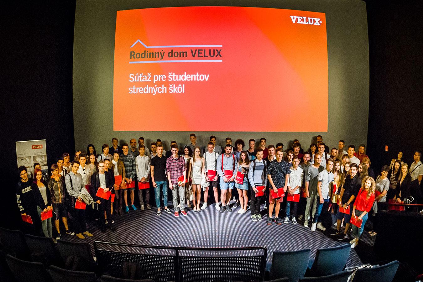 Počas školského roka 2015/2016 sa konal 8. ročník obľúbenej súťaže pre stredné odborné stavebné školy – Rodinný dom VELUX.