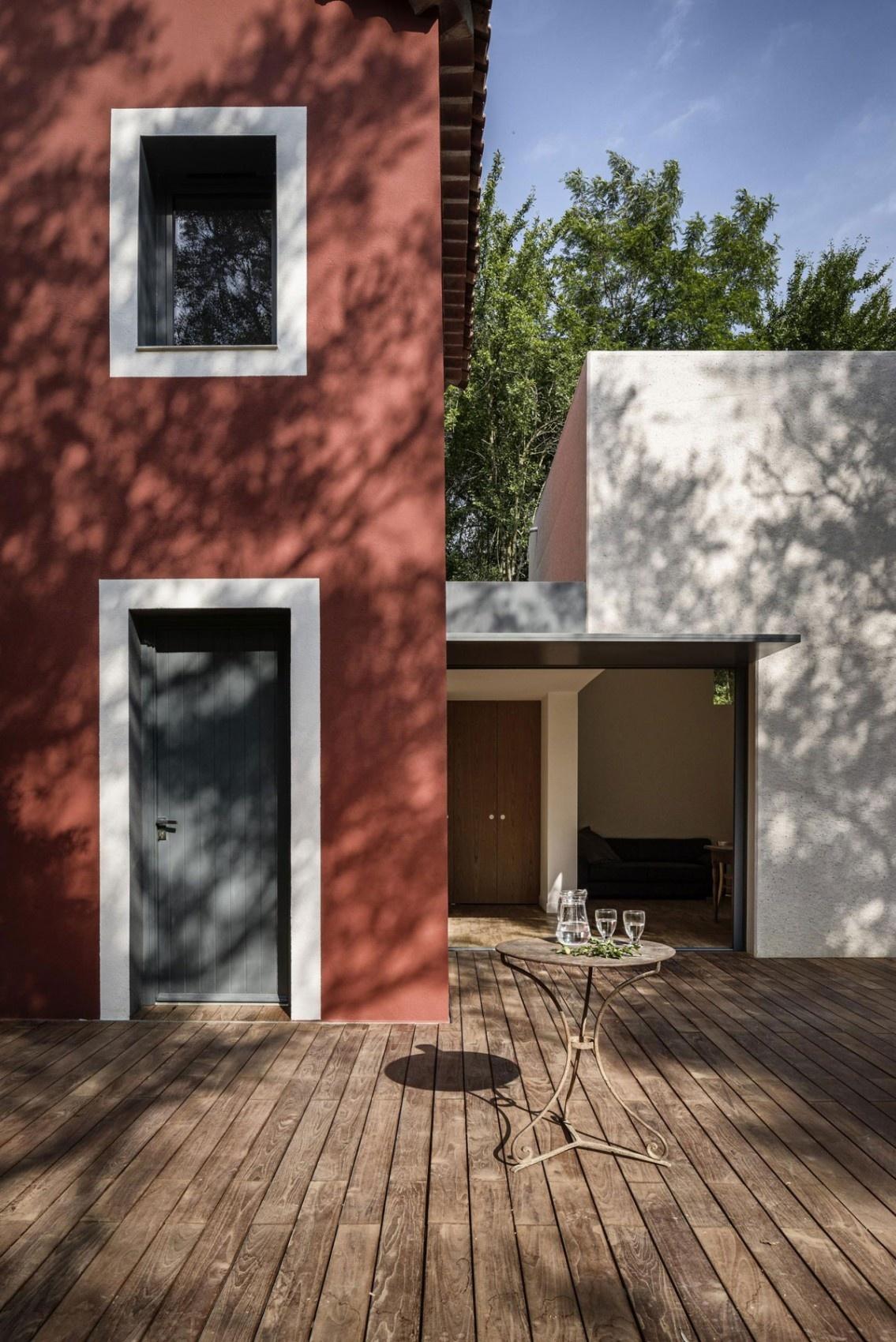 Zaujímavá rekonštrukcia zanedbaného predmestského domu