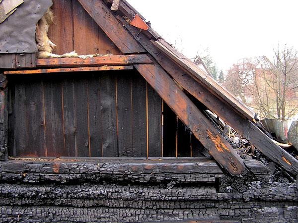Účinky požiaru na drevené konštrukcie