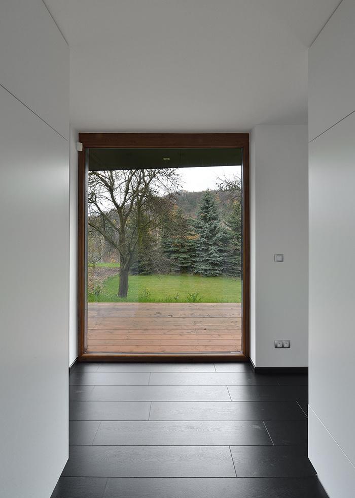 Komplikovaný dom upokojila jednoduchá prístavba