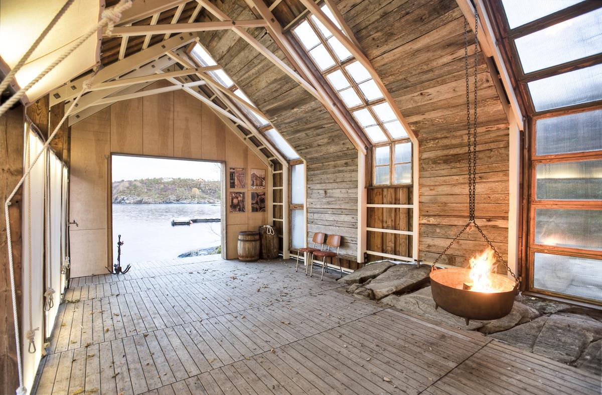 Letný domček zo starej lodenice
