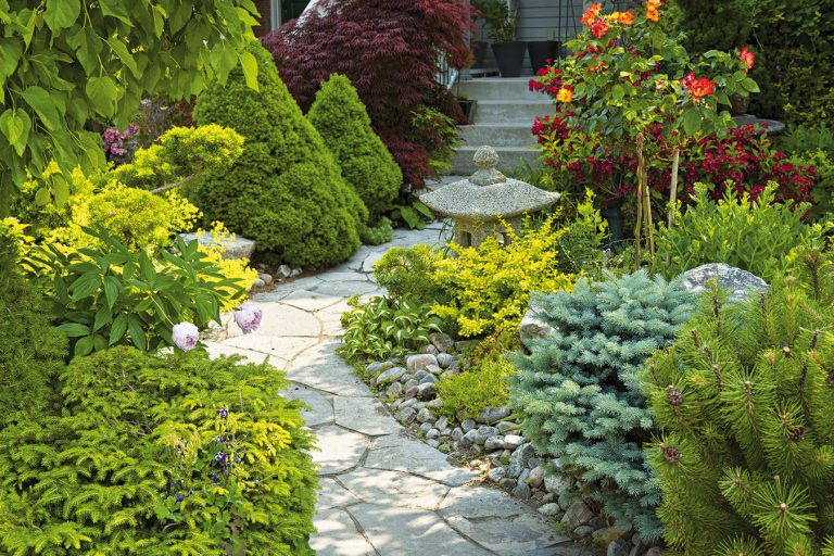 Záhradný chodník si dôkladne naplánujte!