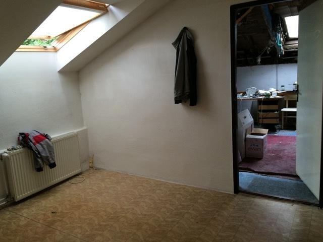 Menšia miestnosť, ktorá bola predtým hosťovská ...