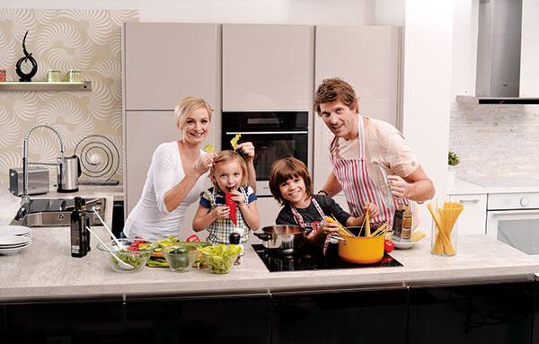 Zariaďte sa štýlovo s tradičným špecialistom na varenie MORA