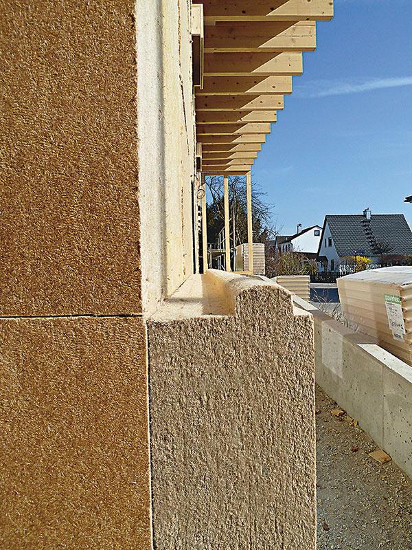 Pavatherm-Combi od firmy Izoleko sú univerzálne drevovláknité dosky vhodné pod prevetrávanú fasádu, pod omietku (môžu sa použiť v interiéri aj v exteriéri s tenkovrstvovou omietkou) a v strešnom plášti nad alebo pod krokvy. Majú výborné vlastnosti v letnej energetike a prirodzene pracujú s vlhkosťou. (www. izoleko.sk)