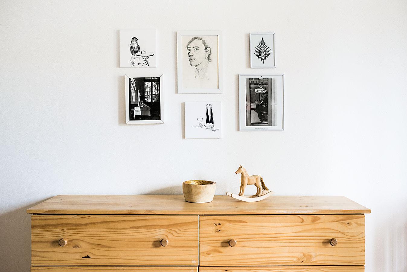 """Mnohé zdekorácií vytvorila Zuzana sama: """"Ani na materskej mi neubudla kreatívna energia, takže potrebujem stále niečo vytvárať – vyšívam, maľujem obrázky, učím sa tkať… To ma teraz baví asi najviac."""""""