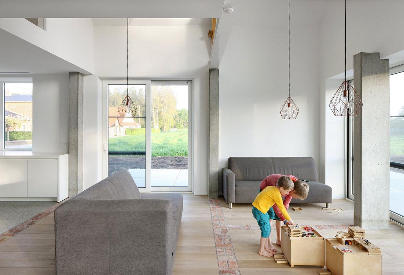 Ako sa dokáže chátrajúci farmársky dom premeniť na nádherný moderný dom