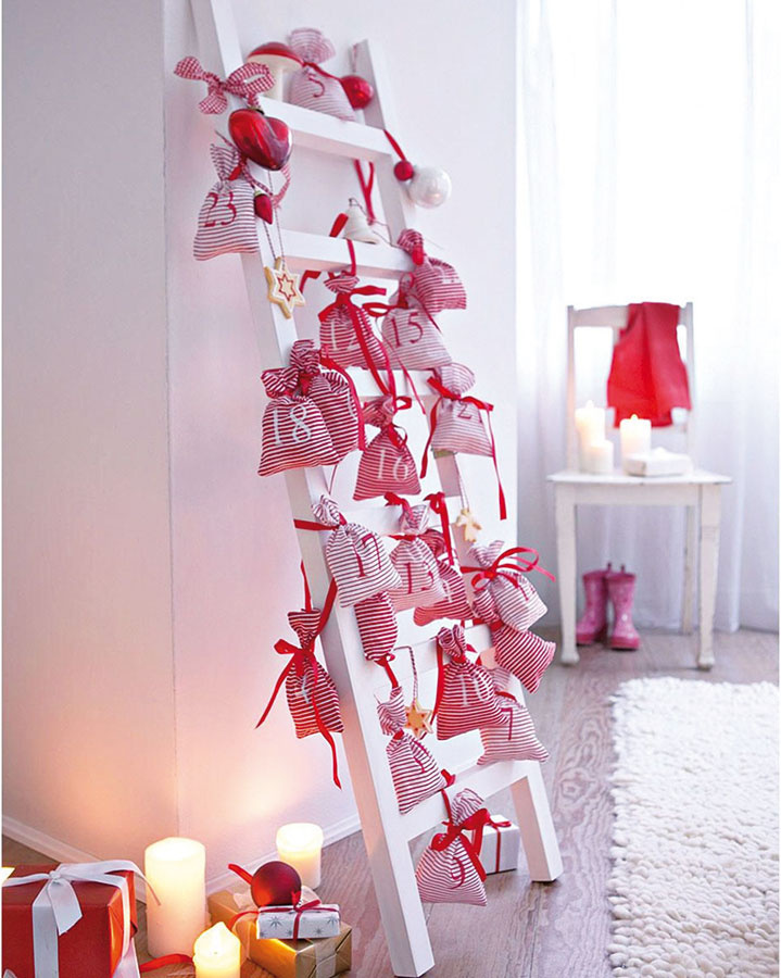 Adventný kalendár na rebríku nemusí byť len pre deti. Aj dospelí si raz do roka môžu dopriať odmenu, okrem toho, táto bude aj vskutku (ne)tradičnou dekoráciou. Hľadajte vo vianočnej kolekcii Impressionen.