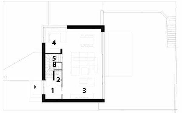 Prízemie 1 predsieň 2 WC 3 obytný priestor 4 kuchyňa 5 schodisko