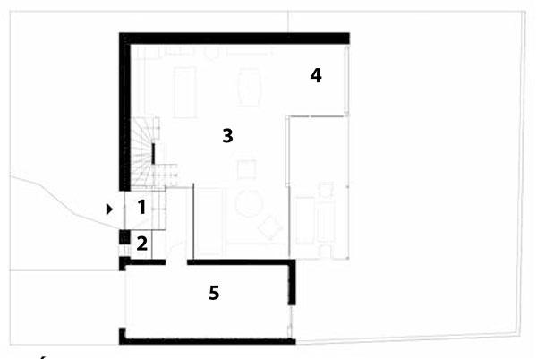 Prízemie 1 predsieň 2 WC 3 obytný priestor skuchyňou 4 zimná záhrada 5 garáž