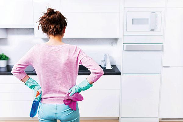 Ako na predvianočné upratovanie, aby ste sa úplne nezbláznili?