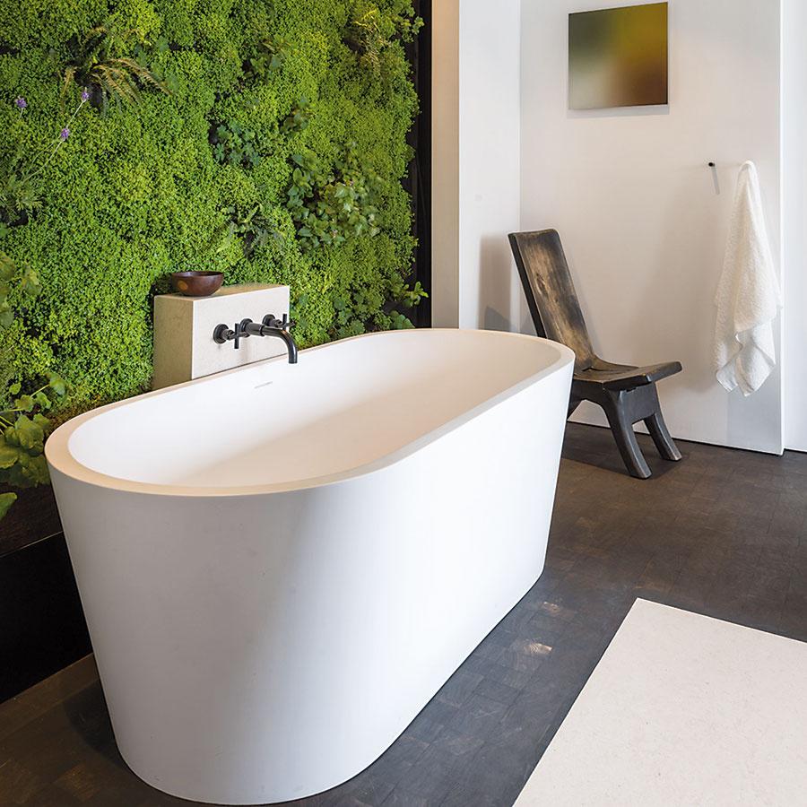 Dizajnér David Brenner sateliérom Habitat Horticulture vytvorili túto pôsobivú živú stenu vinteriéri rezidencie vSan Franciscu. Môžete sa ňou inšpirovať. Vertikálne zelené steny vám vyrobia už aj na Slovensku.