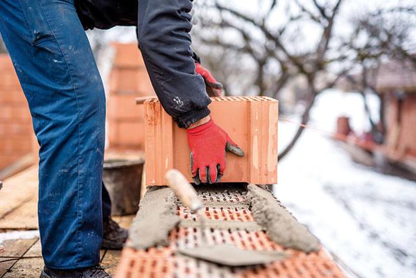 Čo sa dá robiť na stavbe rodinného domu v zime?
