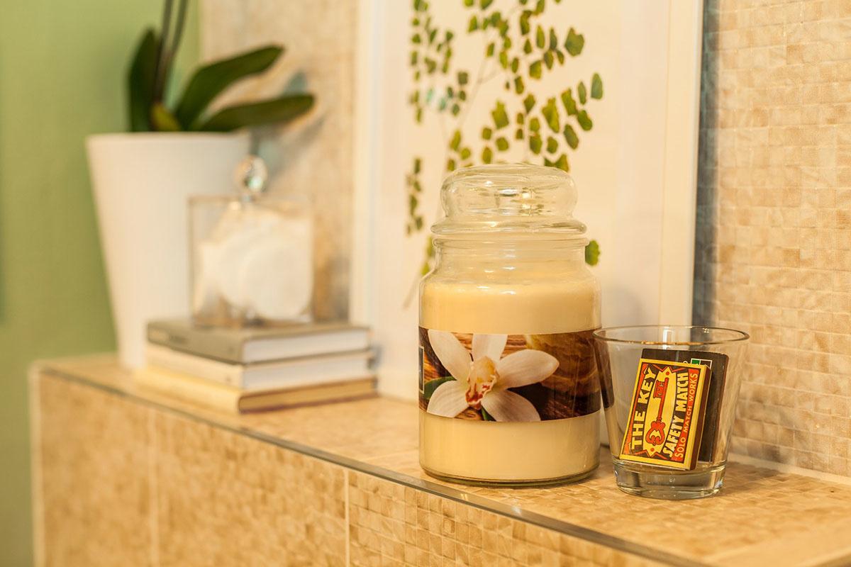 Sviečka F&F Home Sweet vanilla, 8,99 €, Tesco