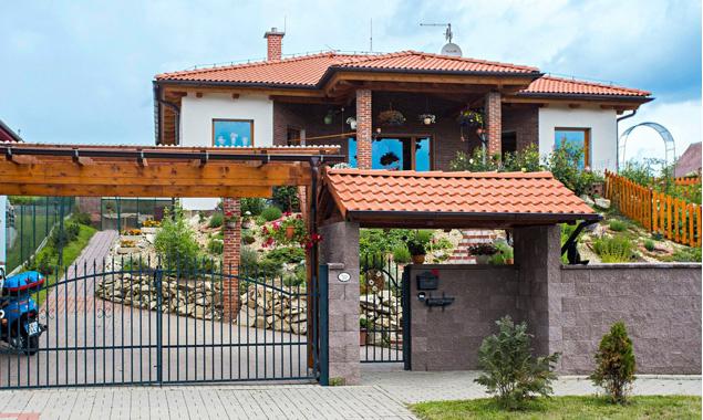 Ako sa podarilo majiteľom vykúzliť z obyčajného bungalovu oázu v stredomorskom štýle