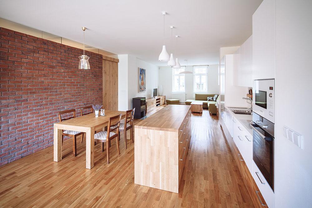 Dom z tridsiatych rokov ako moderné bývanie pre rodinu? Po rekonštrukcii je to možné!