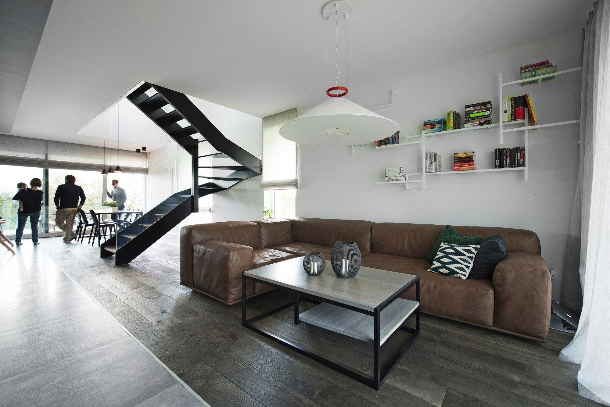 Zvonku tradičná šindľová chalupa, vnútri ohromujúci nadčasový dizajn!