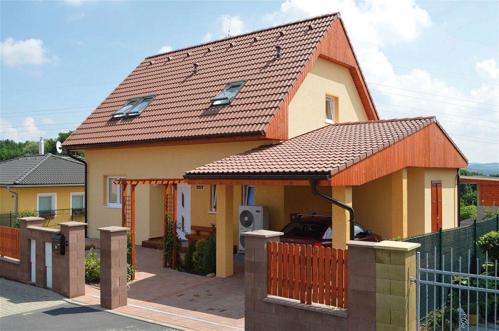 Rodinný dom nadšených domácich majstrov: Malá dielnička a záhrada musia byť!