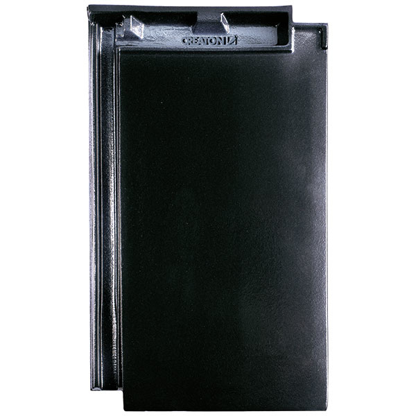 Minimalistický vzhľad strechy dosiahnete kombináciou čiernej farby s čistými líniami plochej škridly DOMINO.