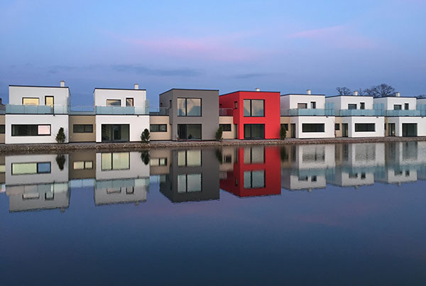 Domy zo systému HELUZ nie je potrebné zatepľovať a pritom spĺňajú všetky požiadavky moderného, lacného a zdravého bývania.