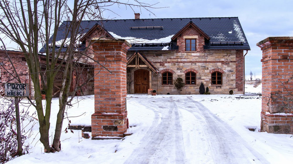 Súťaž Interiér roku: Country dom pre rodinu s malými deťmi splynul s okolím