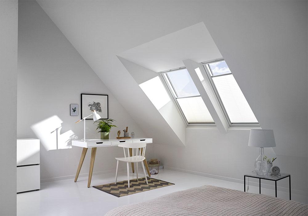 Čisté línie a svetlé farby opticky otvoria interiér.
