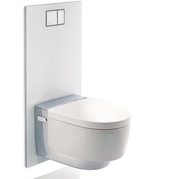 Priestor na samostatný bidet nemáte, ale nechcete sa vzdať pohodlia a po použití toalety sa chcete očistiť vodou? Ideálnou voľbou sú toalety alebo sedadlá s integrovanou sprchou Geberit AquaClean. Stlačením jediného tlačidla spustíte integrovanú funkciu sprchovania a môžete pritom ďalej pohodlne sedieť na toalete.