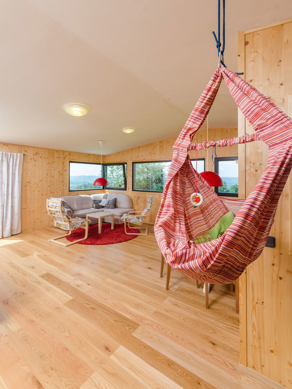 Moderná drevostavba ako stvorená pre mladú rodinu