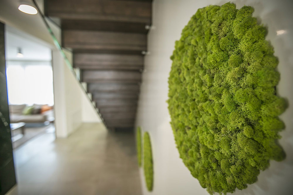 Interiér rodinného domu v Martine vyniká štýlovým použitím prírodných materiálov