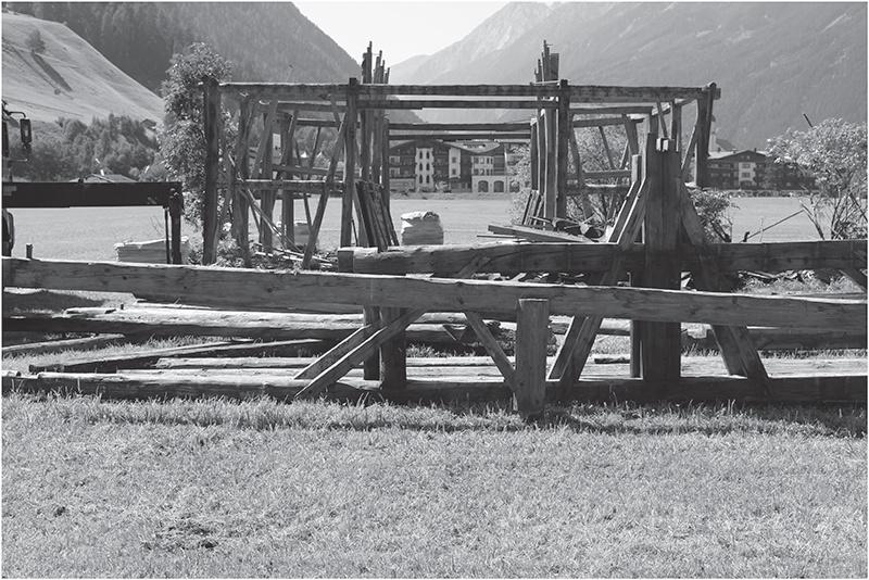 150-ročnú stodolu preniesli a zrecyklovali!