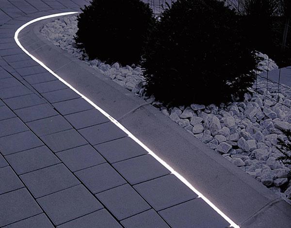 Osvetlenie v záhrade