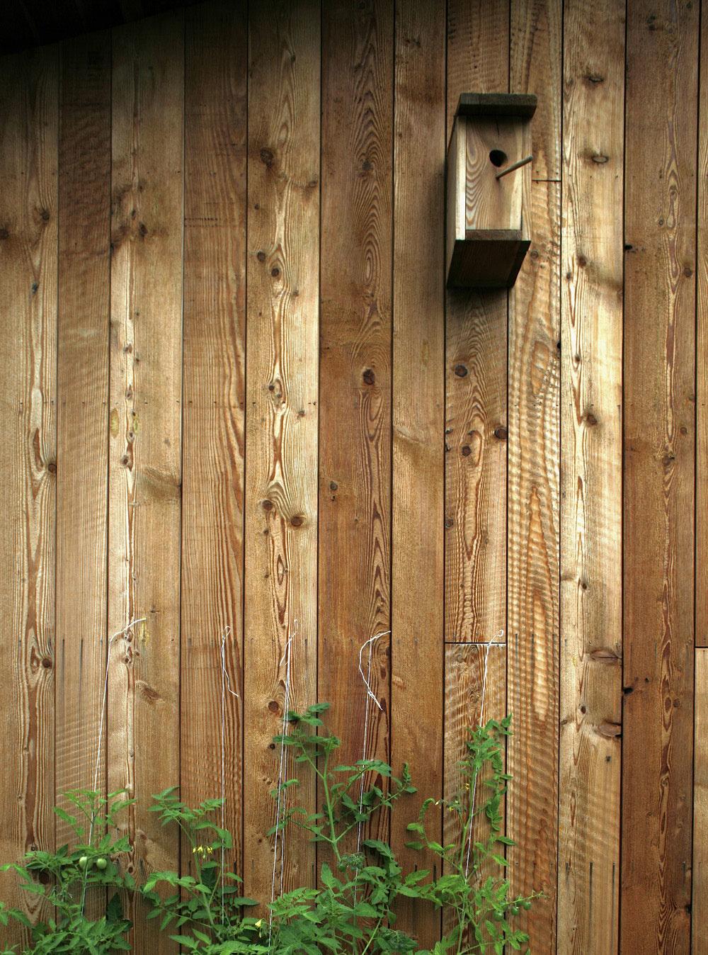 Novostavba drevodomu s vidieckym čarom stojí priamo v hlavnom meste
