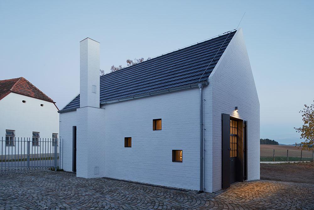 Ovocný sad, pálenica a bývanie v zrekonštruovanom dome na jednom pozemku!