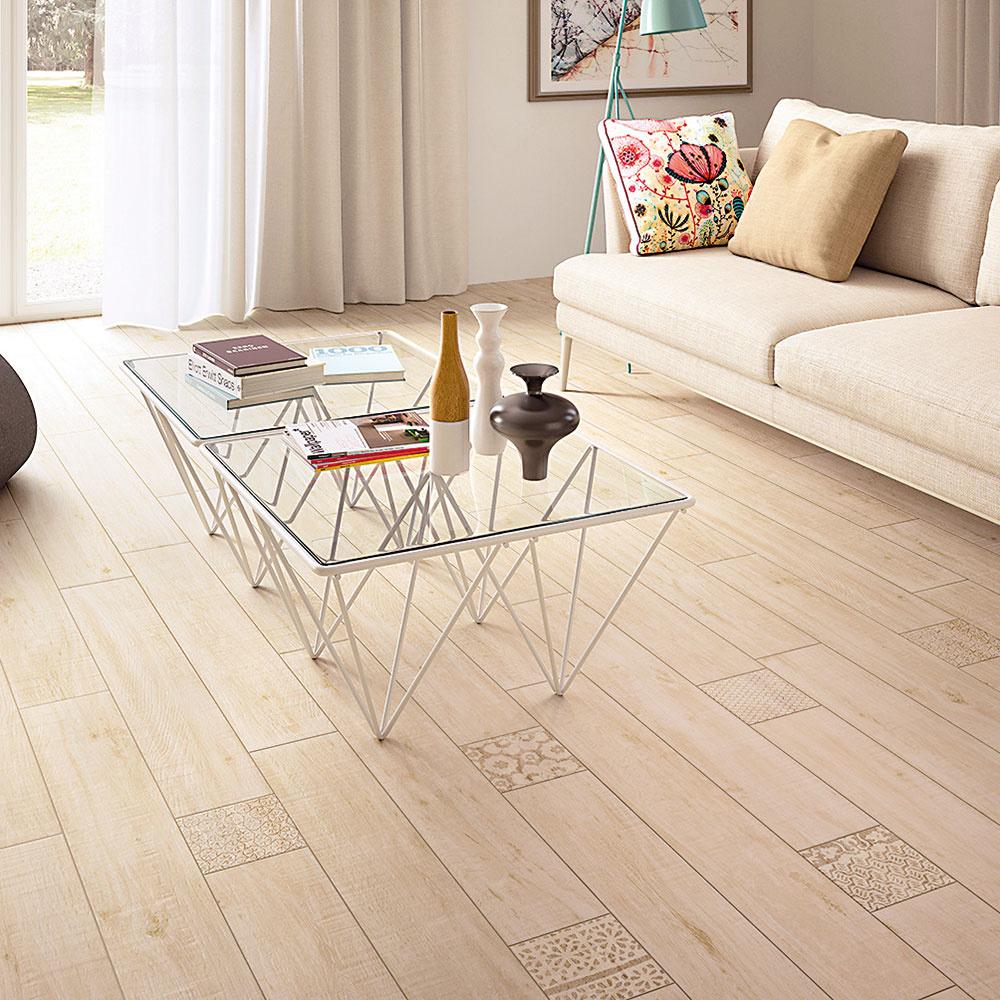 Dlažba Séria Imola Wood predstavuje vydarenú imitáciu dreva steplými tónmi tohto prírodného materiálu. Je vhodná do interiérov iexteriérov. Má sedem farebných odtieňov, balenie obsahuje šesť kusov dlaždíc. Rozmery: 165 × 1 000 mm. www.kupelne-ptacek.sk