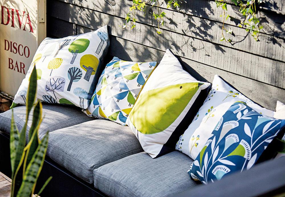 Textílie zkolekcie Noukku od značky Scion, 100 % bavlna, sedem motívov vrôznych farbách, od 49 €/bm, CYMORKA interior design