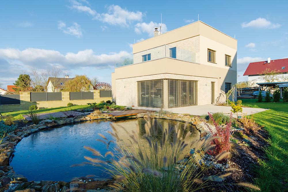 Murovaný pasívny dom si majiteľ postavil svojpomocne! Ročné prevádzkové náklady má 630 €