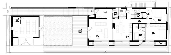 1 vstupná hala 2 obývačka 3 kuchyňa 4 chodba 5 kúpeľňa 6 spálňa 7 úložný priestor 8 spálňa 9 kúpeľňa 10 schodisko 11 komora 12 WC 13 terasa 14 sauna