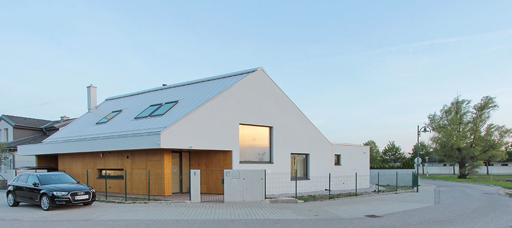 Dom z rakúskeho Burgenlandu: Skvelý príklad využitia rohového pozemku