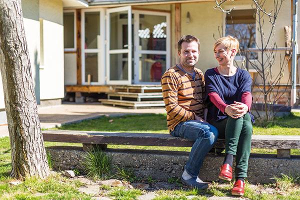 Do dvojizbového domu v Stupave sa mladá rodina zmestila so všetkým, čo treba